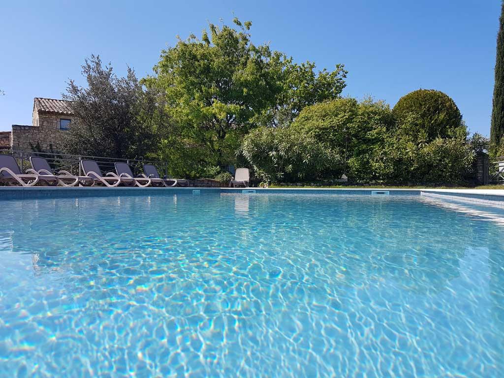 Grand gite avec piscine gorges de l 39 ard che aigu ze gard for Ardeche gite avec piscine